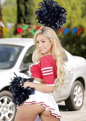 Free Pussy Cheerleader Porn